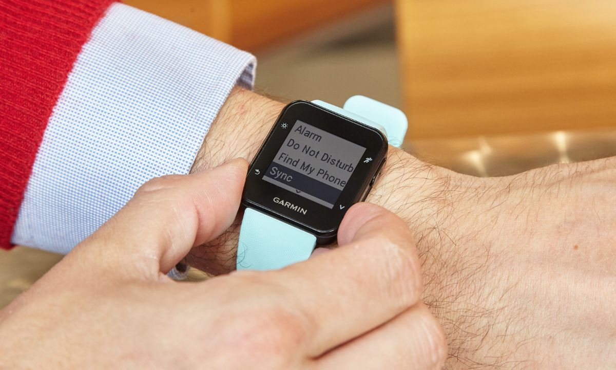 Garmin Forerunner 35 Review: GPS and Heart Rate in One | Tom's Guide