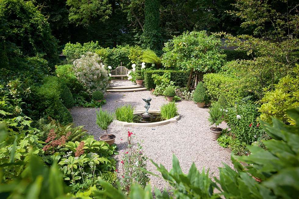 20 tips for beautiful garden borders real homes - Tips for a lovely garden ...