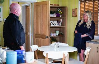 Sharon Watts talks to Phil Mitchell in EastEnders
