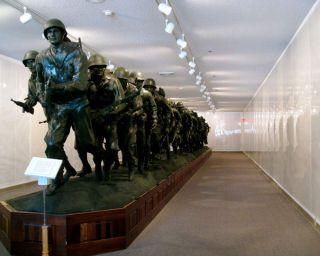 Veterans Memorial Museum Statue
