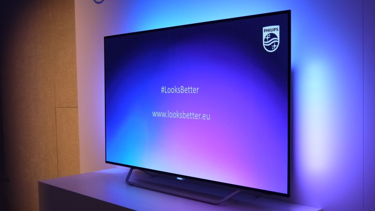 Ambilight Returns To Oled As Philips Announces 2017 Lineup