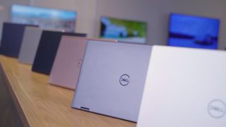 """{""""data-model-name"""":""""Dell Inspiron 13 7000"""",""""data-widget-type"""":""""review""""}"""