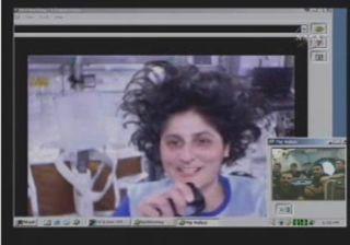 Space Station Astronaut Calls Undersea Lab