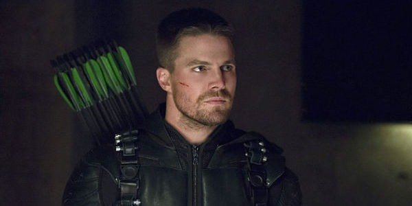 Stephen Amell's Green Arrow unmasked