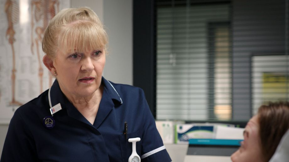 Unsung Holby hero! Duffy saves panicked pedestrian Carrie