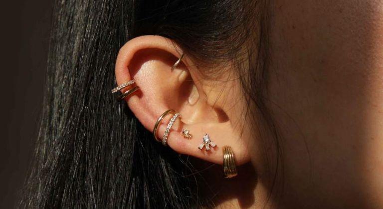 Astrid & Miyu huggie earrings