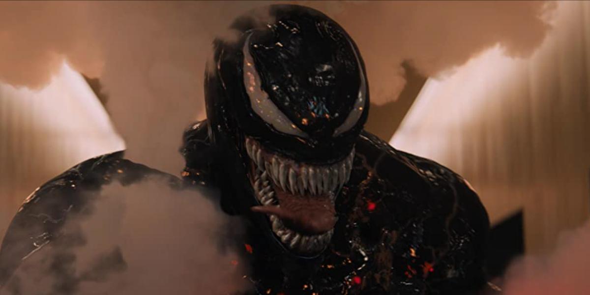 Venom fighting soldiers in Venom