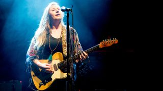 Joanne Shaw Taylor performing live