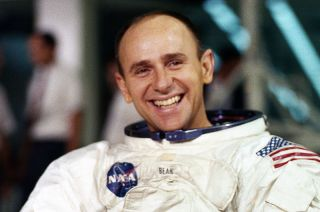 alan bean remembered astronauts