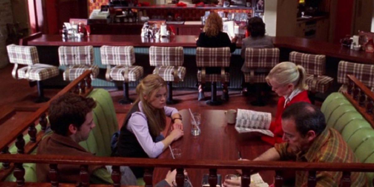 Mandy Patinkin, Ellen Muth, Callum Blue, and Laura Harris in Dead Like Me