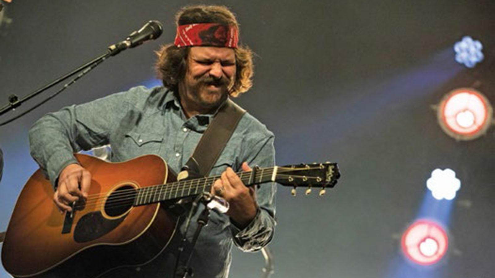 Dave Bruzza of Greensky Bluegrass: What's on My Playlist   Guitarworld