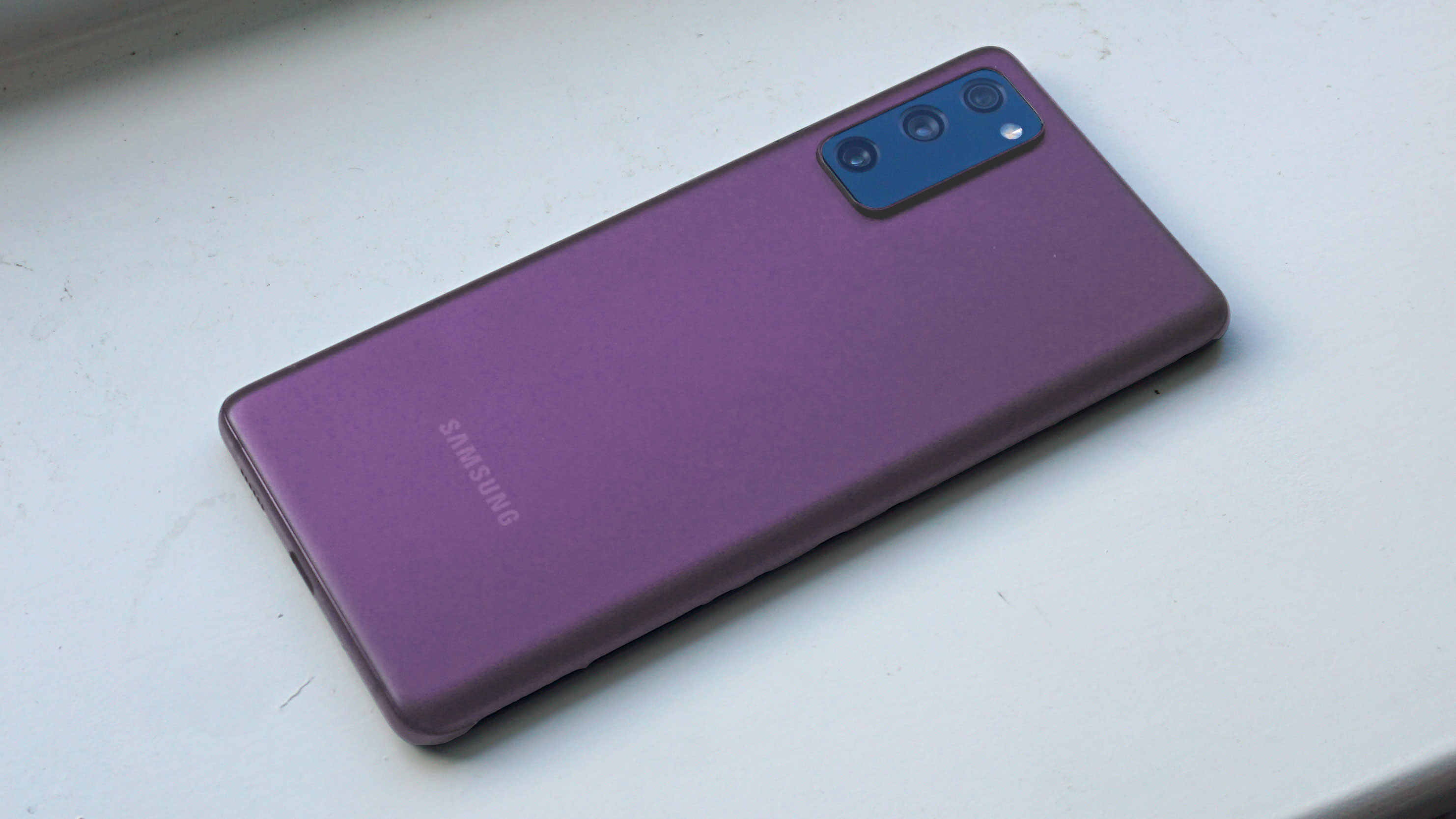 Samsung Galaxy S20 FE color-changed