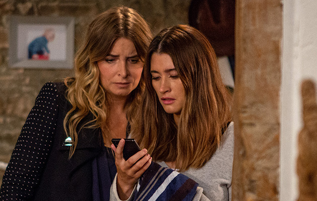 Emmerdale spoilers! TEXT! Debbie Dingle receives a message from Joe Tate!