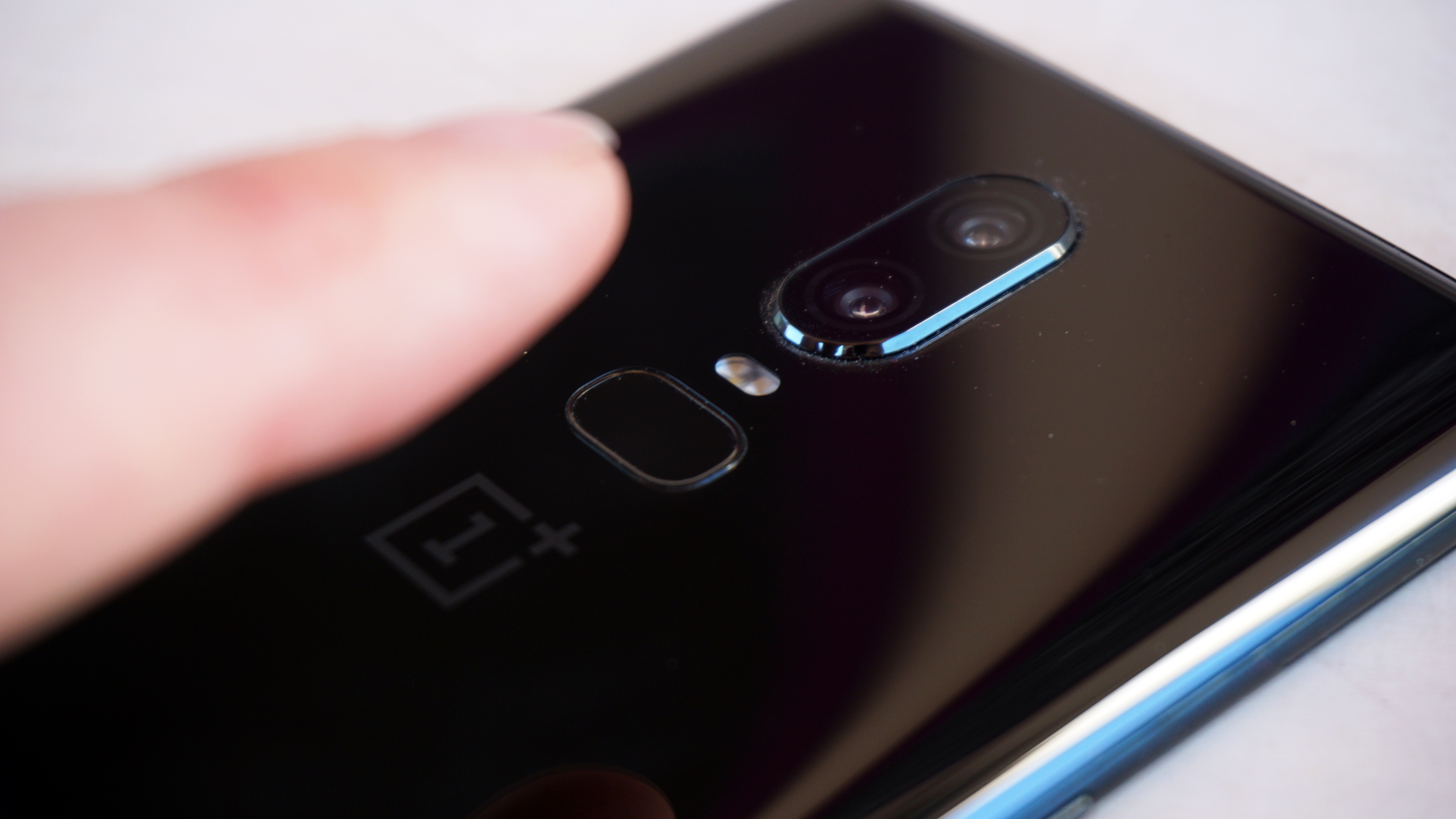 OnePlus 6T is confirmed to have an in-screen scanner   TechRadar