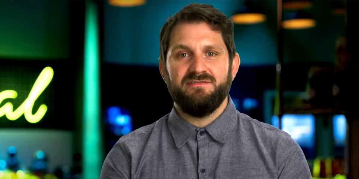 Gabe talking to the camera during Top Chef Portland.