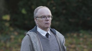 Jason Watkins as DS Dodds.