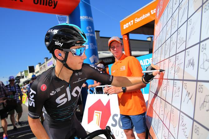 Kenny Elissonde signs on at the Tour Down Under