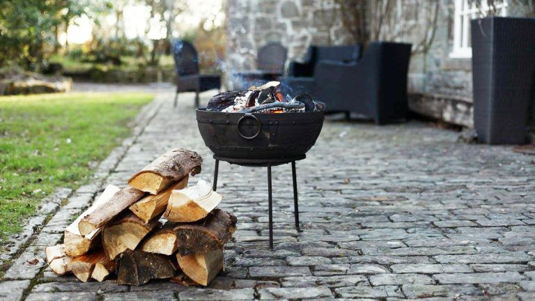 Best Garden Fire Pits 2019 Keep Warm With The Hottest Fire Pits For