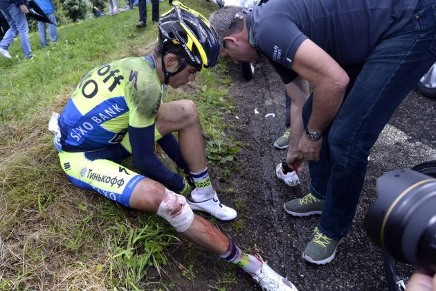 Alberto Contador has crashed on stage ten of the 2014 Tour de France