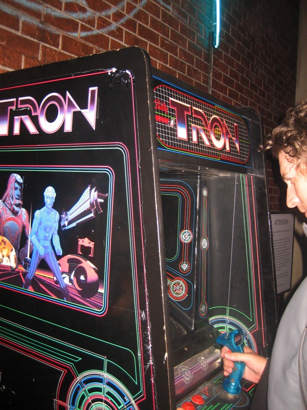 Comic Con: Flynn Lives And He's Reopened His Arcade! #1663