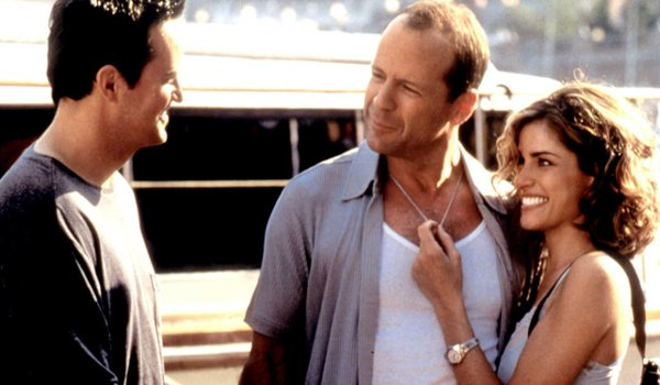 The Whole Nine Yards Matthew Perry Bruce Willis Amanda Peet a friendly chat at the boat dock