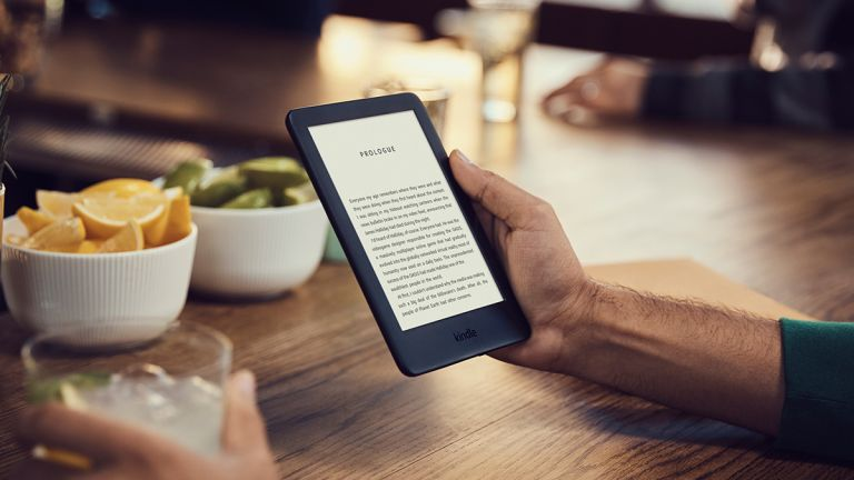 Amazon Kindle vs Kindle Paperwhite