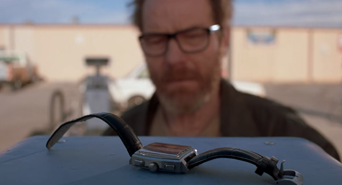 walter white leaving wristwatch on payphone in breaking bad