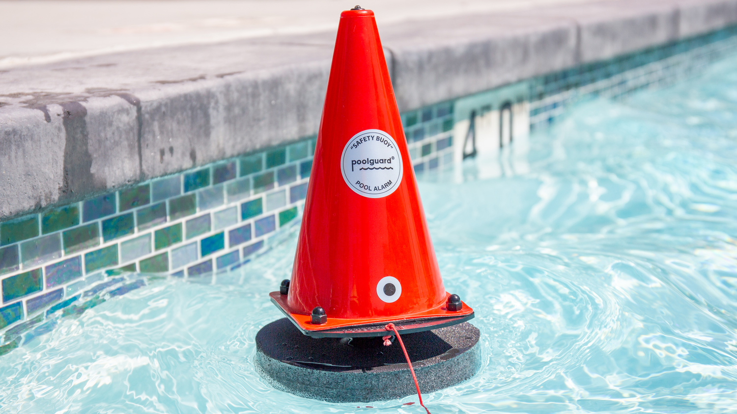 Best Pool Alarms of 2019 - Safety Sensors for Swimming Pools ...
