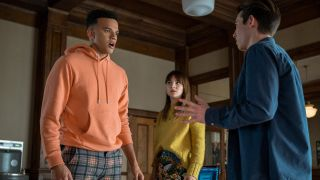 Kinsey Jones, Gabe und Scot Cavendish im Gespräch in Locke and Key Staffel 2