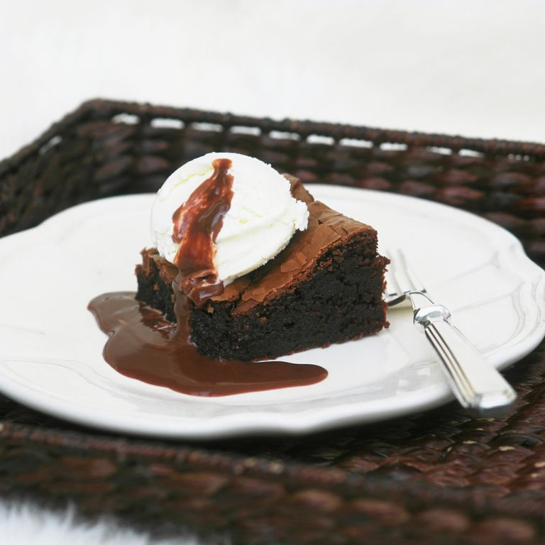 Chocolate Brownies With Hot Fudge Sauce