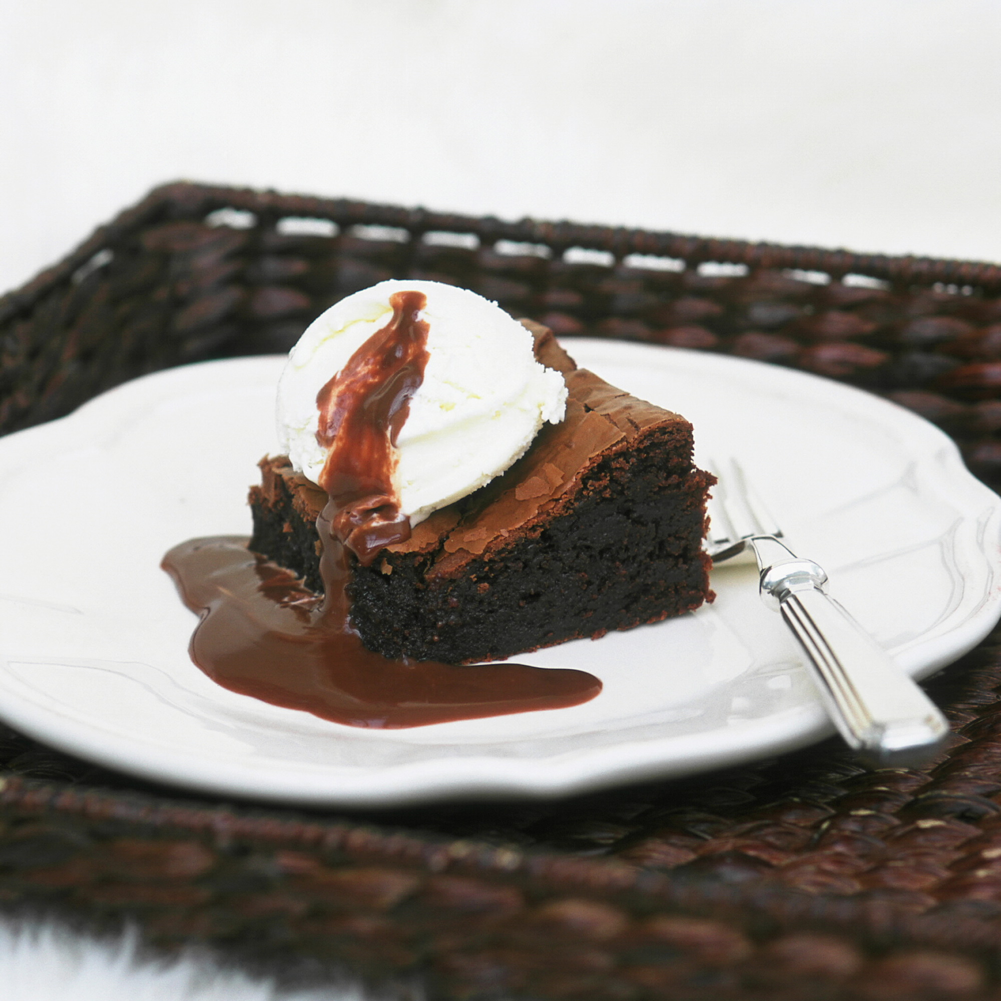 Easy Hot Fudge Brownie Cake