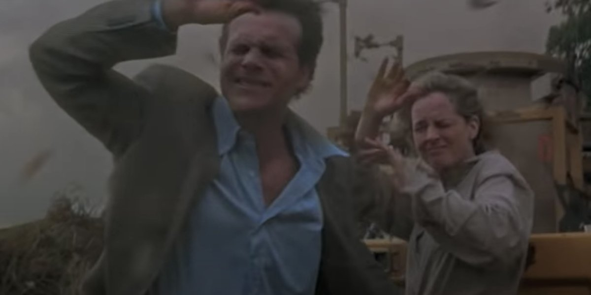 Bill Paxton and Helen Hunt in Twister