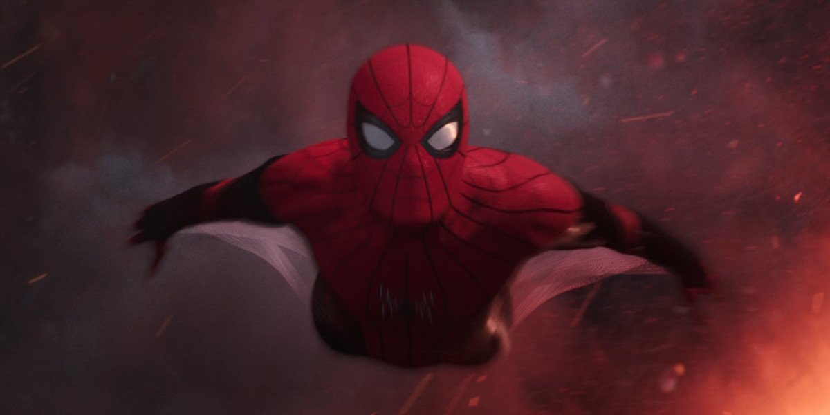 Spider-Man flying to the ground in Far From Home