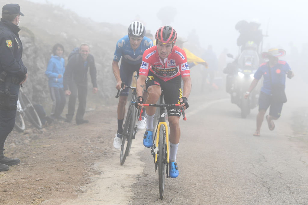 ALTU DEL GAMONITEIRU SPAIN SEPTEMBER 02 LR Enric Mas Nicolau of Spain and Movistar Team and Primoz Roglic of Slovenia and Team Jumbo Visma compete in the breakaway during the 76th Tour of Spain 2021 Stage 18 a 1626km stage from Salas to Altu dEl Gamoniteiru 1770m lavuelta LaVuelta21 on September 02 2021 in Altu dEl Gamoniteiru Spain Photo by Tim de WaeleGetty Images