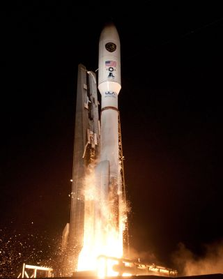 AEHF-3 Military Communications Satellite Blasts Off