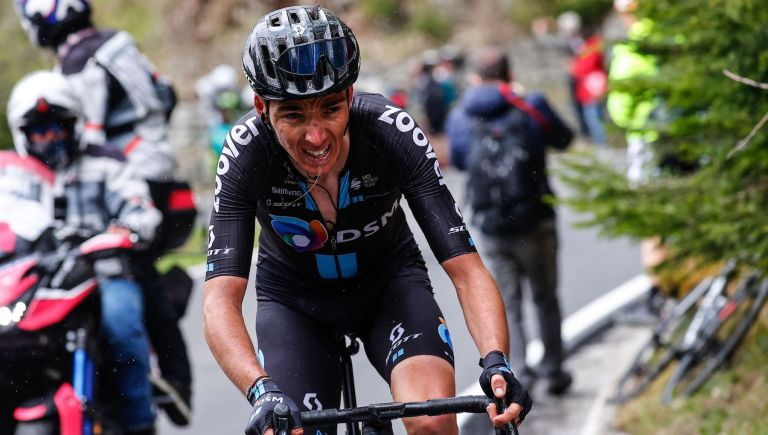 Romain Bardet gives his all on the final mountains of the Giro d'Italia