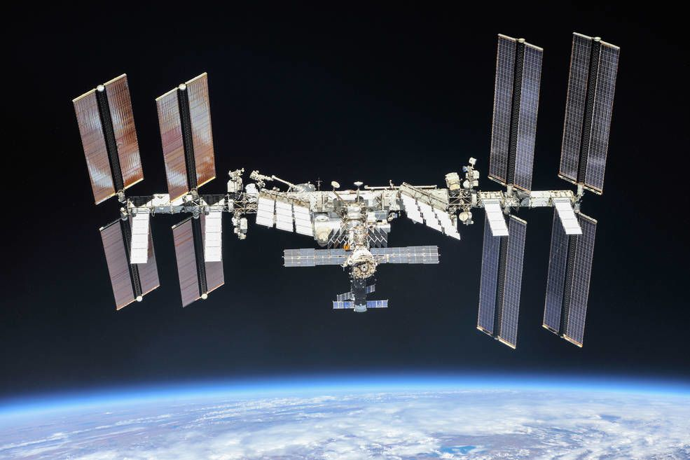 SpaceX to fly private astronauts to space station for startup Axiom in 2021