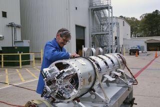 Sounding rocket ampule test payload