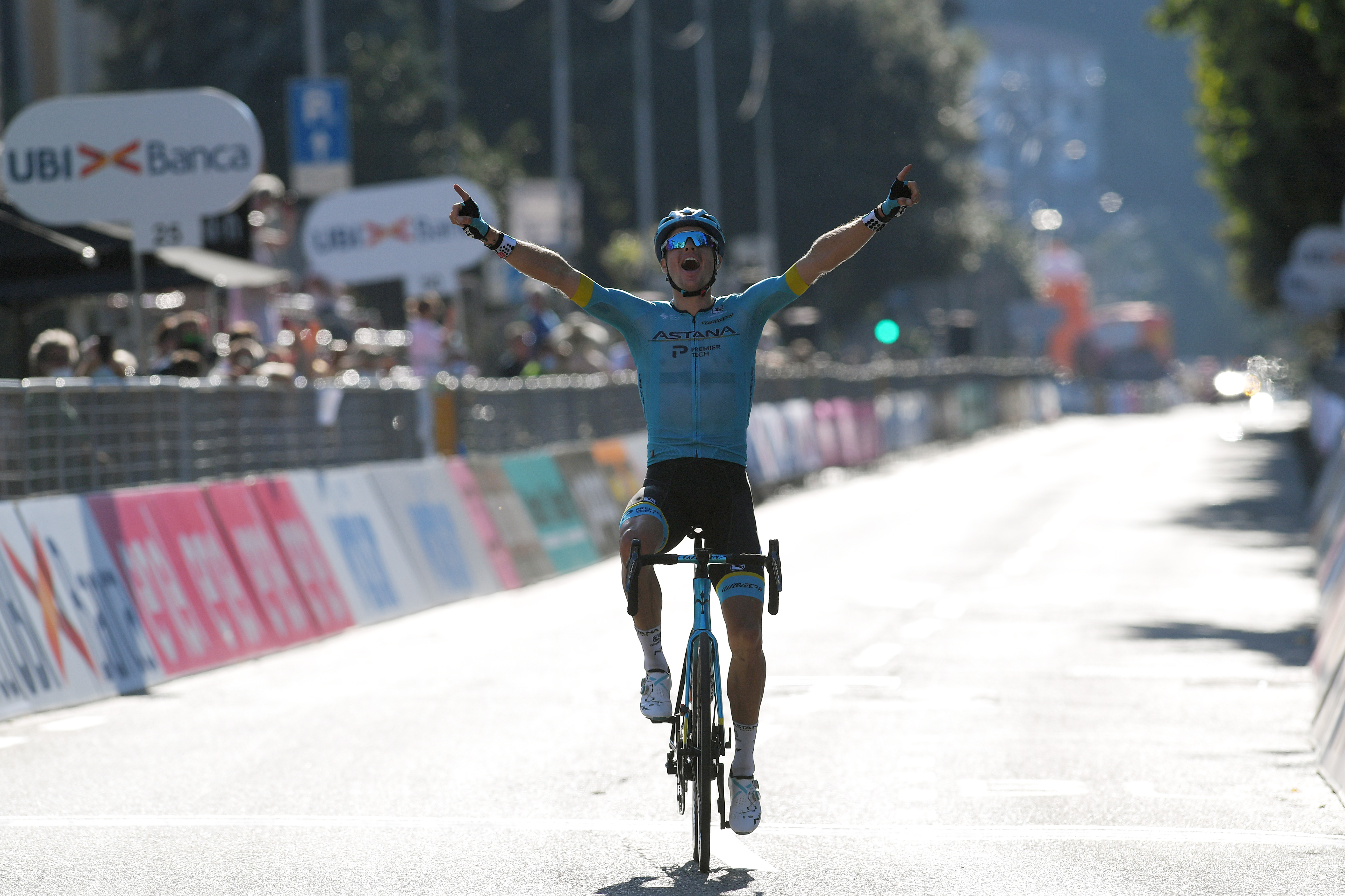 COMO ITALY AUGUST 15 Arrival Jakob Fuglsang of Denmark and Astana Pro Team Celebration during the 114th Il Lombardia 2020 a 231km race from Bergamo to Como ilombardia IlLombardia on August 15 2020 in Como Italy Photo by Tim de WaeleGetty Images