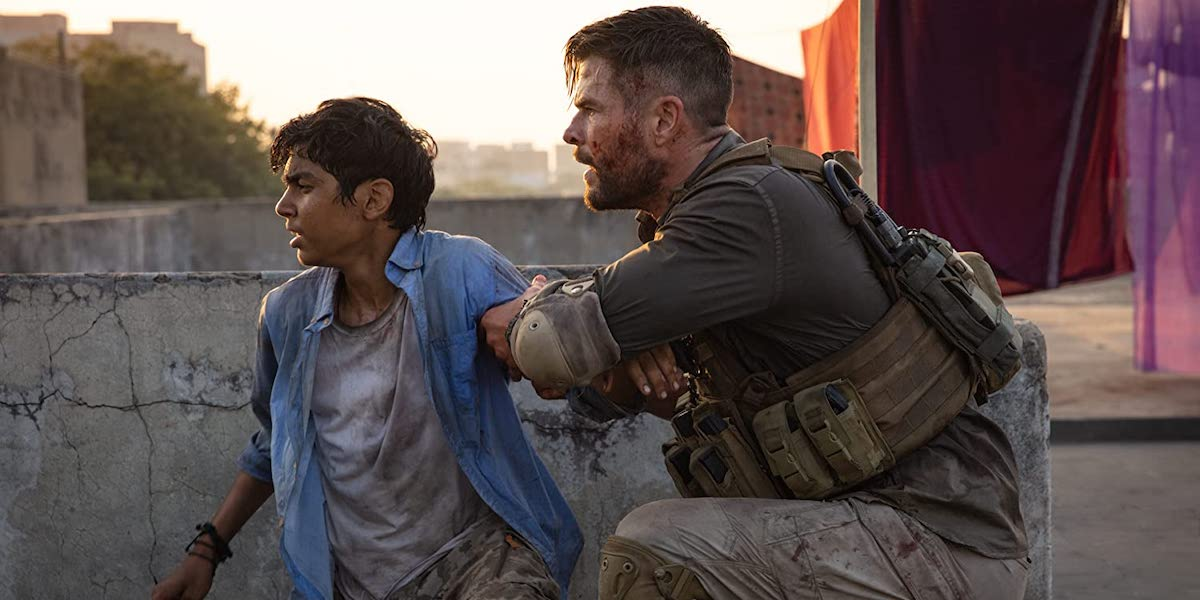 Rudhraksh Jaiswal and Chris Hemsworth in Extraction