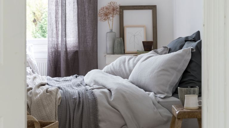 how to wash pillows: linen bedding from soak & sleep