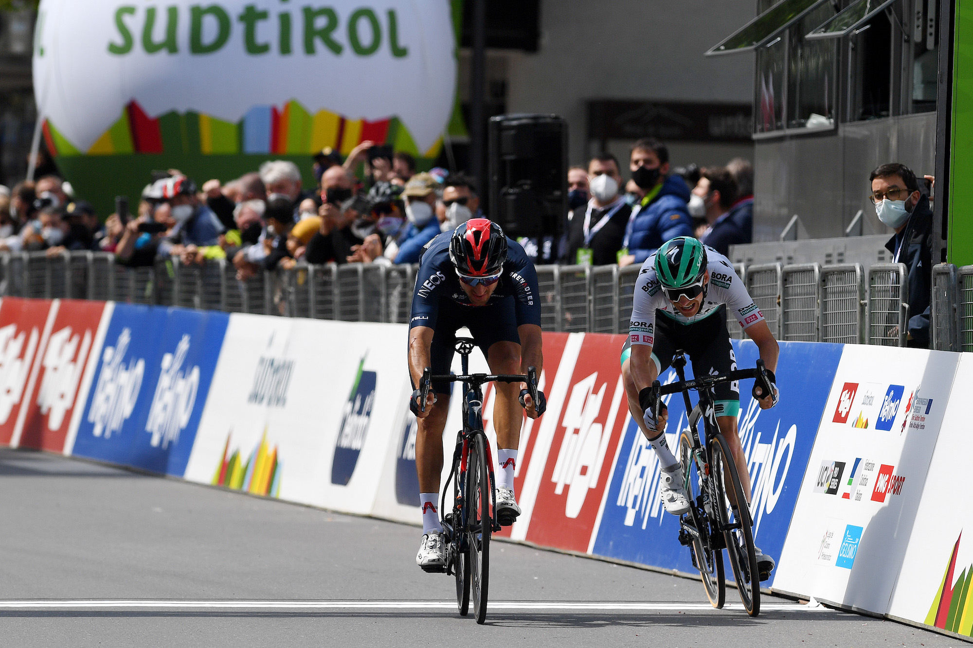 Gianni Moscon sprints to second stage victory on stage three of Tour of the Alps 2021 - Cycling Weekly
