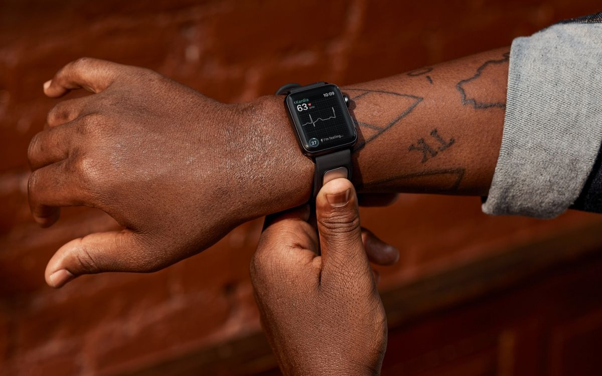 The Doctor on Your Wrist: How Smartwatches Are Saving Lives