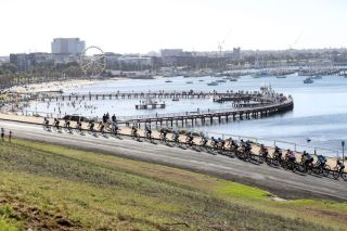 Race 2 of the 2020 Bay Crits takes place on a circuit around Geelong's Eastern Gardens