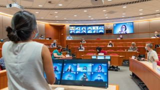 RGB Spectrum QuadView multiviewer in a Harvard Business School lecture hall