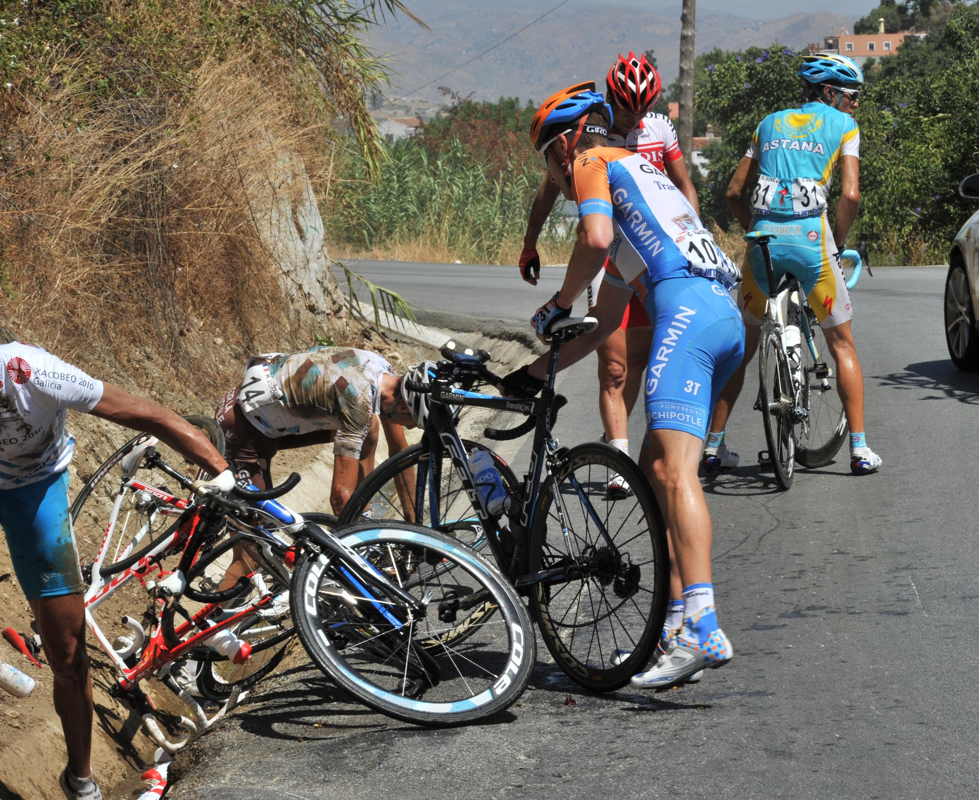 Christian Vande Velde crash, Vuelta a Espana 2010, stage three