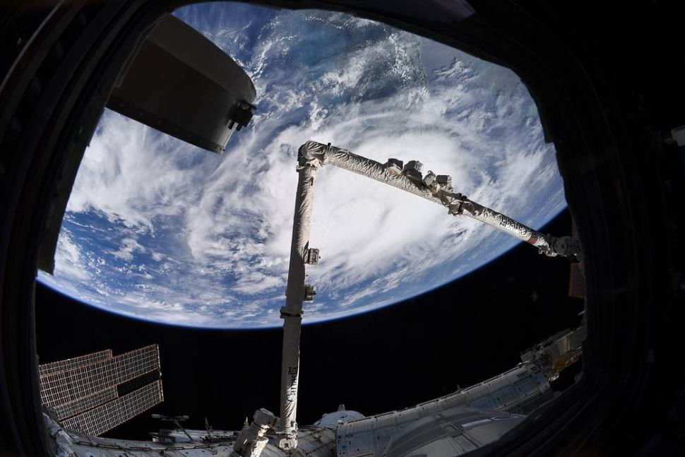 Satellites and astronauts track Tropical Storm Elsa from space (photos)