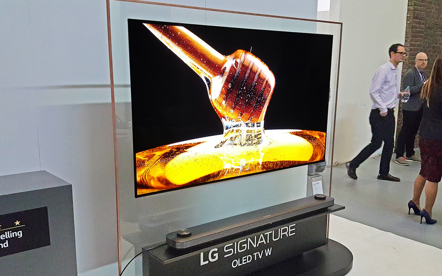 Lg Oled W8 Hands On The Wallpaper Tv Gets Smart Tom S Guide