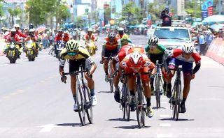 Nguyen Duong Ho Vu wins stage 8