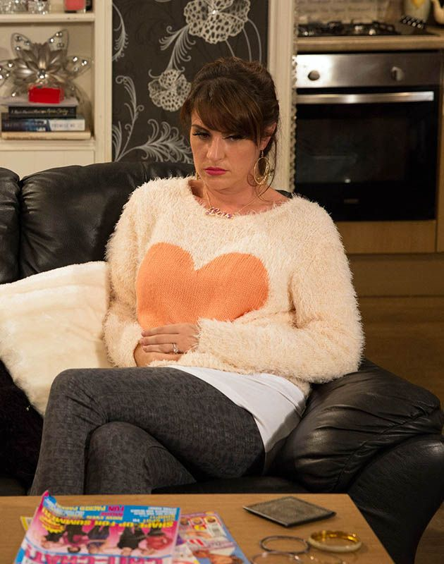 Kerry Wyatt asks Joanie Dingle to come with her for her scan in Emmerdale.